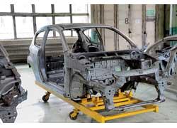 Производство новинки для европейского рынка освоят на польском заводе СП GM-FSO (на фото – наладка производства кузовов в ноябре 2007 г.)