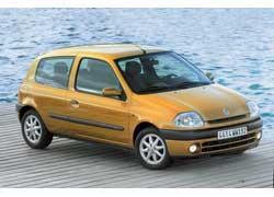 Дорестайлинговые Clio (1998-2001 г. в.) выглядят проще и не столь выразительно.