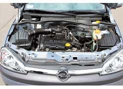 В некоторых моторах Corsa применяется ремень ГРМ, а в некоторых – металлическая цепь. Забыть о ее существовании не получится – служит она немногим дольше ремня.