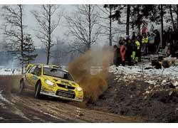На СУ4 помимо Себастьяна Лоэба сошли дебютант WRC Пер-Гуннар Андерссон ипобедитель пролога Крис Аткинсон. Шведа подвела фирменная болезнь Suzuki– прокладка двигателя, австралийца – собственная горячность.