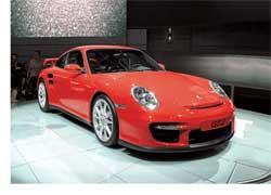 В копилке компании Porsche– множество призов и побед в гонках: выигрыши на этапах Формулы-1, песках Дакара, марафонах Le Mans и т. д.