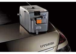 Концерн Daimler AG адаптировал литий-ионные батареи в серийный автомобиль. Первым инновационную конструкцию «примерил» седан S400 BlueHYBRID. Т