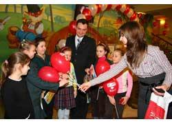 Всеукраинский конкурс детского рисунка «Безопасность дорожного движения – это жизнь», который проводит УГАИ Украины при поддержке журнала «Автоцентр» и группы компаний «Фокстрот», в этом году проходил с февраля по апрель.