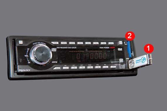 Главное преимущество и USB-«флешки» (1), иSD-карты (2) как носителей музыкальной информации в том, что на них можно в считанные минуты записать десятки и сотни композиций с любого персонального компьютера.