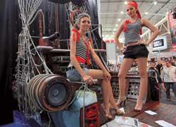 Компания «Stopol Украина» привезла на выставку пиратское судно с очень симпатичным экипажем.