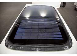 Квадратный метр солнечных батарей в погодных условиях Центральной Европы может вырабатывать электроэнергию в количестве 1кВтч/м2 (в дневное время).