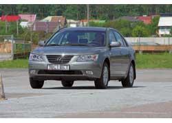 Крупный седан Hyundai Sonata и компактный минивен Matrix пережили тотальный рестайлинг.