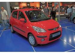 Молодежная малолитражка Hyundai i10 оснащается 1,1-литровым бензиновым мотором мощностью 65 л. с. Стоимость – от 68000 гривен.