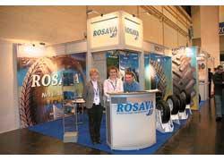 Специалисты ЗАО «Росава» знакомили посетителей с новой линейкой шин медиум-класса серий WQ (зимние) и SQ (летние).