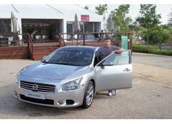 Nissan Maxima с такой оригинальной оптикой официально продаваться в Украине не будет.