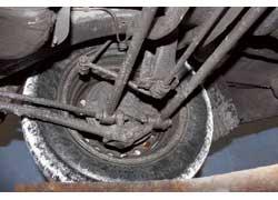 Daewoo Nubira. Более долговечная «ходовая» у Astra (G) – на наших дорогах основные ее «расходники» служат почти в два раза дольше, чем у Nubira.