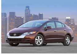 На японском заводе компании Honda началось производство первого серийного водородного автомобиля марки– FCX Clarity.