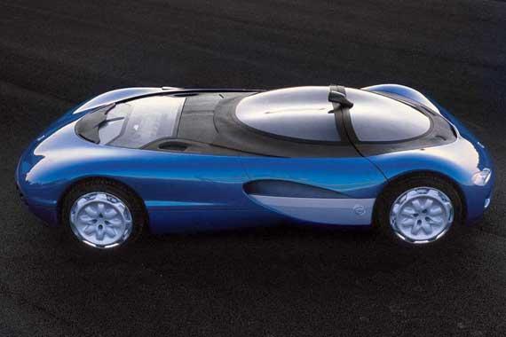 Прототип купе Renault Laguna Concept образца 1990 года отличался среднемоторной компоновкой.