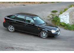 Ездить на Priora в спортивных режимах сложно из-за малоинформативных привода КП и рулевого управления.