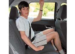 На заднем сиденье пассажиру среднего роста будет удобно даже в длительном путешествии.