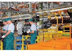 Двигатели поступают в собранном виде и монтируются на автомобили в зависимости от их комплектации.