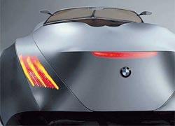 О наличии на автомобиле задней оптики можно догадаться только при ее включении.