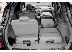 За счет опускаемой подушки переднего пассажирского сиденья в салоне 308SW можно перевозить предметы длиной до 3,1 м.