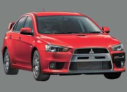 Кроме «хищной» фальшрешетки радиатора, Mitsubishi Lancer Evolution отличается оригинальными продольными «крыльями» на крыше и необычным задним антикрылом, у которого середина немного выше, чем края. Это позитивно отражается на аэродинамике автомобиля.