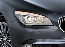 Фары дневного света и задние фонари выполнены на более эффективных светодиодах.
