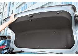 Ручка закрывания багажника – деталь хоть и незначительная, но полезная – отсутствует.