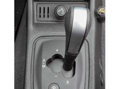 КП Easytronic, которой оснащено немало машин, нравится не всем.