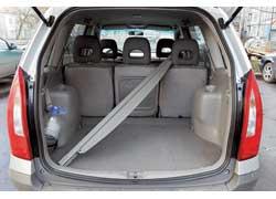При 5-местной конфигурации салона объем багажника Premacy меньше, чем у Zafira – 370 л против 600 л соответственно.