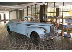 Полноприводный кабриолет ЗИС-110П 1955 г. в. использовался Никитой Хрущевым для инспекции кукурузных полей.