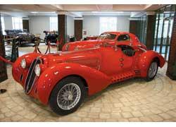 Родстер Alfa Romeo 8C 2900B Mille Miglia Corto с кузовом ателье Touring был создан в 1939 году. Всего изготовлено 4 экземпляра.