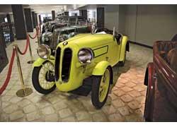 Спортивный родстер BMW Dixi DA3 1932 года с кузовом немецкого ателье Ihle Karosseriebau положил начало коллекции музея.