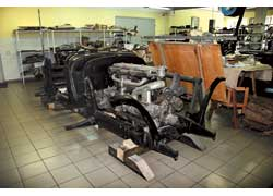 Уникальный бронированный кабриолет Mercedes-Benz 770 принадлежал Адольфу Гитлеру. В настоящее время начаты работы по его реставрации.