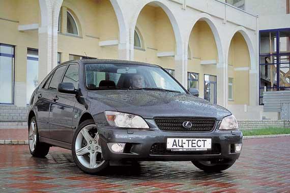 Lexus IS (1998 г.)