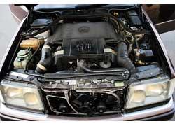 Все двигатели «семерки» – бензиновые и от W126 отличаются большей литровой мощностью. S-Кlasse оснащен более широкой линейкой моторов.