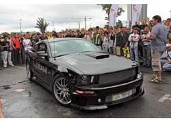Этот «американец» - интернациональный продукт: интерьер Ford Mustang GT перешивали где-то в Штатах, ходовую и внешность меняли в Украине.