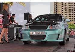 В лучших традициях автозвука для оценки звукового давления каждый автомобиль поднимался на подиум. 2 место Start Unlimited.