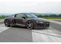Обклеенная Audi R8 вскоре переехала на стенд Abt Sportsline.