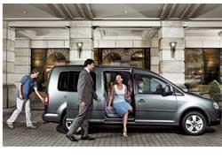 Нынешней осенью компания Volkswagen начала производство удлиненной версии своего популярного «пирожка» Сaddy, получившей в названии приставку Maxi.