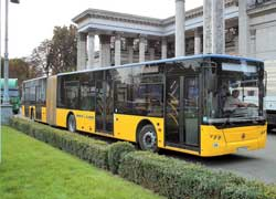 Самая большая модель львовян: городской сочлененный низкопольник «СитиЛАЗ»-А292. Длина – 18,75 м . Мест – 180 (для сидения 47). Турбодизель (Евро 3) – MAN или Deutz, 280/286 л. с.