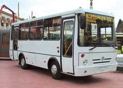 Новый «горожанин» ЧАЗ-А074 на шасси FAW. Мест – 41 (для сидения – 19). Турбодизель – 116 л. с. К концу года будут выпускать до 40 машин ежемесячно.