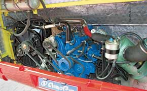 Турбодизели – Cummins (3,9 л, 140 л. с.) либо Nissan-Dong Feng (4,2 л, 143 л. с.). Оба – Евро 2.