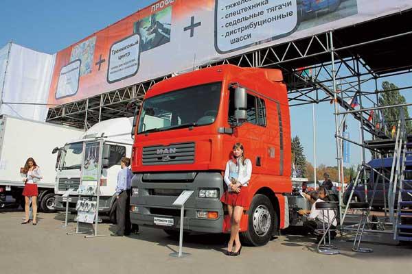 Компания «Аутомотив ТСГ» презентовала тягач MAN TGA со средней кабиной XLX.