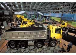 Изюминка cтенда DAF Trucks – строительные самосвалы СF с усиленной ходовой.