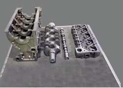 Новые решения в двигателе Д-249: блок цилиндров повышенной жесткости, коленчатый вал, откованный вместе с противовесами, 16-клапанная головка цилиндров и новый распредвал.