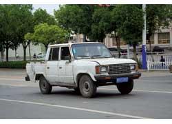 Завод Jiangsu Yizheng был в 90-е гг. крупнейшим производителем пикапов КНР. Один из них – Liming YQC1020S.