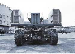 Каждое из 24 колес приводилось в действие своим электромотором, установленным внутри рамы.