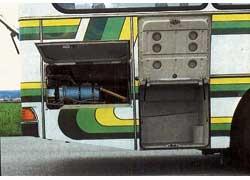 В задней части справа – автономный отопитель Webasto, а перед ним – маленький отсек для вещей водителя.