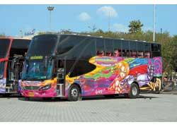 На борту этого автобуса Сherdchai – мускулистый Зорро, причем в тайском исполнении.