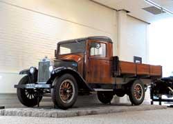 «Полуторка» LV40 – самый первый грузовик марки Volvo (1928 г.). Конструкция прочная, но 28-сильный мотор от легковушки слабоват.