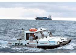 Новую амфибию IVECO назвали Terramare. Над еe созданием трудился миланский «технический зодчий» – инженер Mayрицио Заниси.