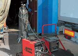 Оборудование сварочного участка дает возможность варить любой металл.
